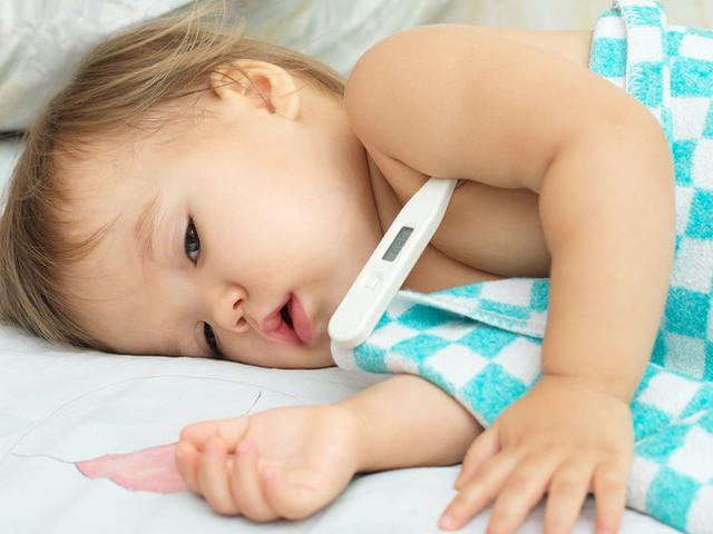 Как да свалим температурата на дете