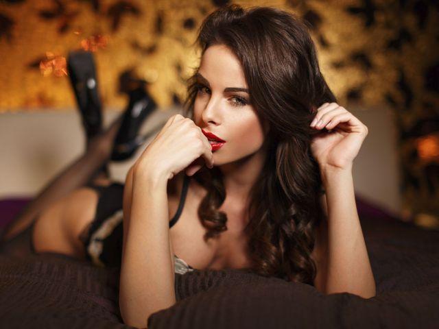Секси жена в ежедневието