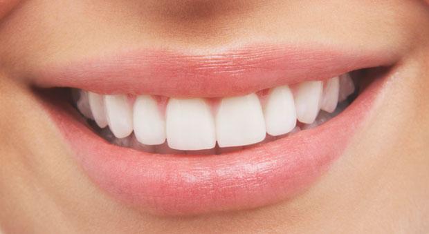 Бели зъби с малки хитринки