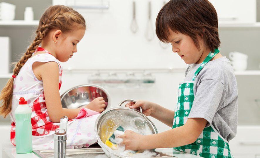 Какви задължения да възложим на децата според възрастта им